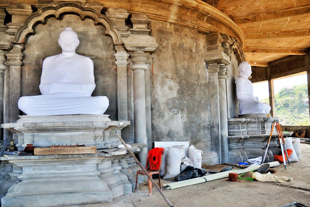 Statues Budha